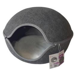 Flamingo Pet Products Shaba basket in grey felt. 47 x 45 x 31 cm . for cat. Sleeping