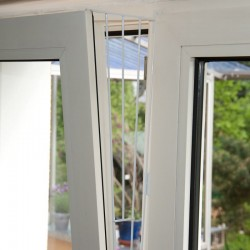 Trixie TR-4416-X2 set 2 Protection grids for windows (tilt-turn) metal (side) Safety and security